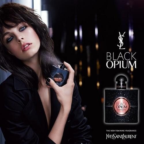 Edie Campbell, la sulfureuse pour la fragrance Black Opium