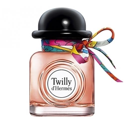 Les flacons de parfums avec un nœud